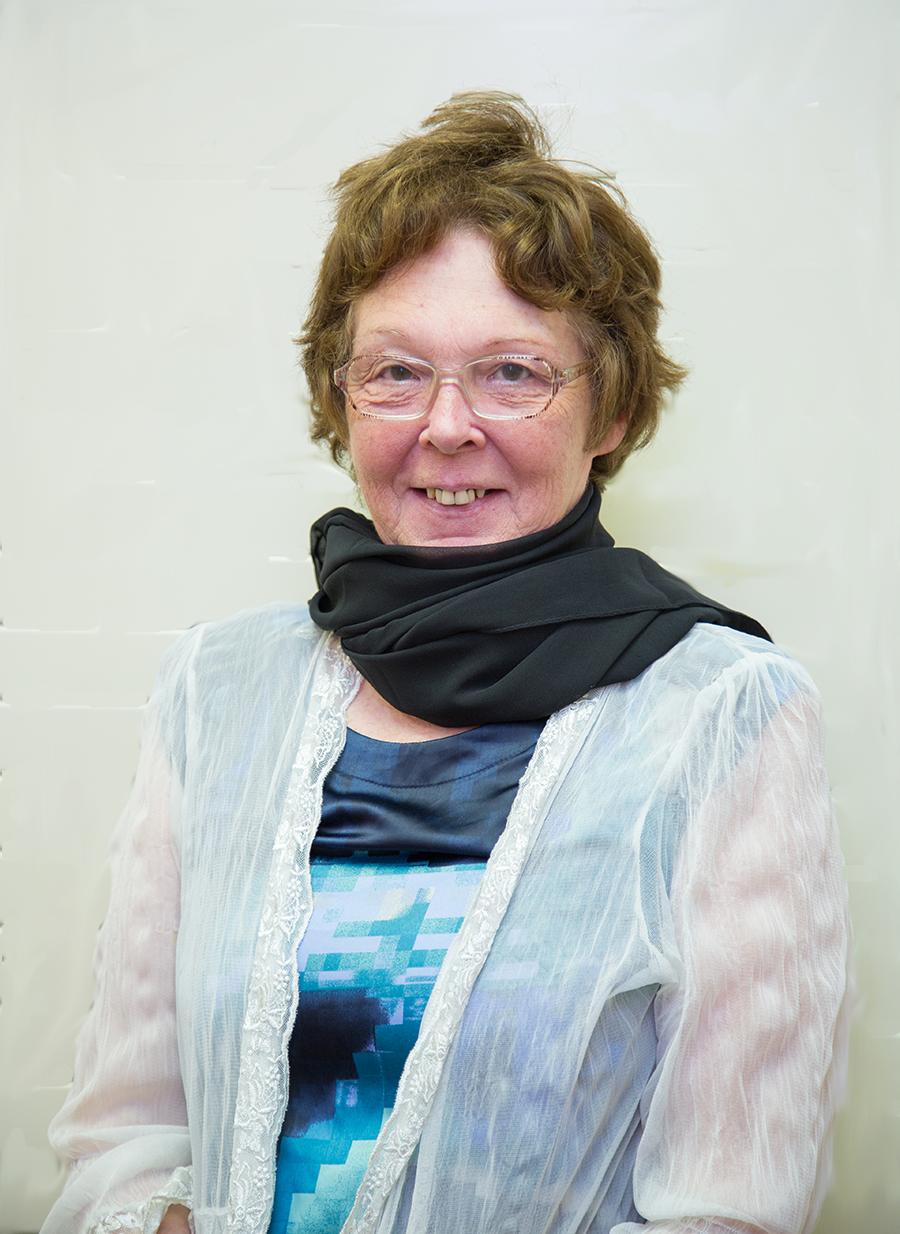 Mrs L. Foat